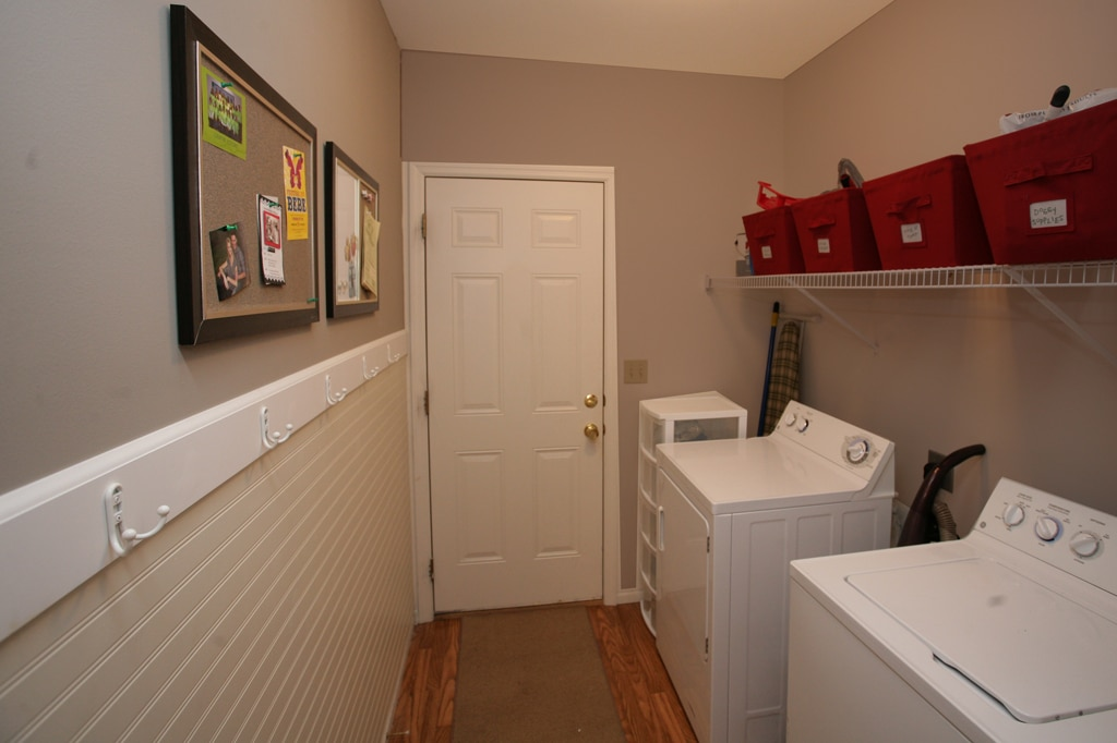 Laundry room makeover how to nest for less - Best paint colors for small spaces gallery ...