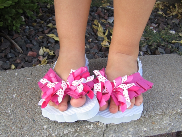 Cheap Makeover: Curly Ribbon Flip Flops