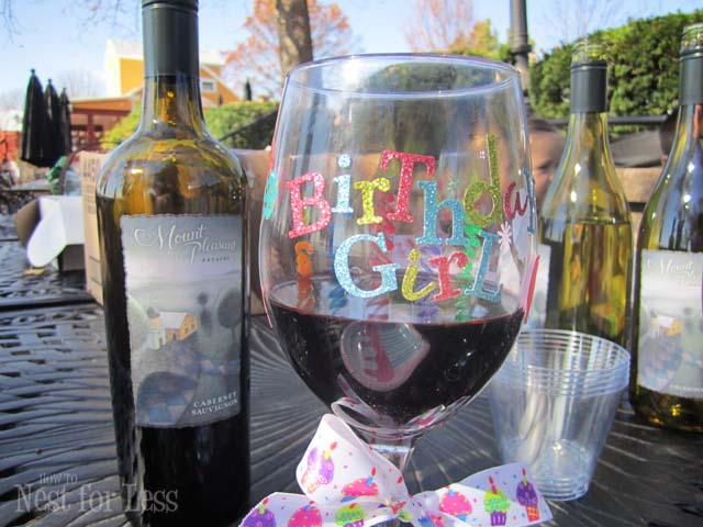 Fall in St. Louis: A Day at the Wineries + Crafty Party Favors