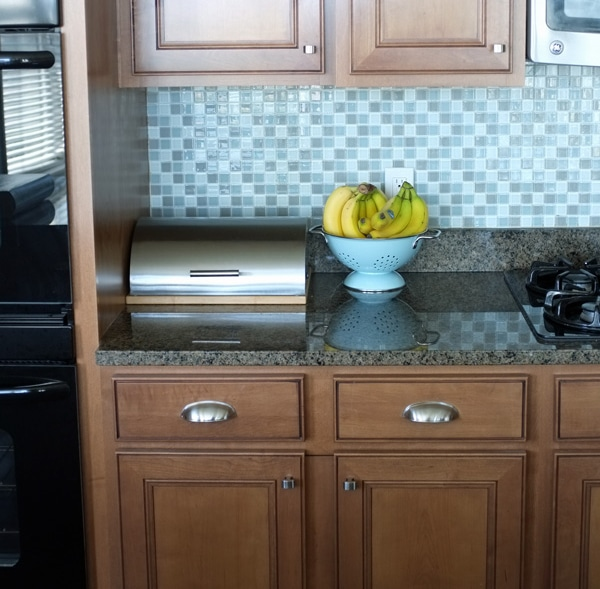 Get inspired kitchen mini makeover ideas how to nest for less - Kitchen wow mini makeovers ...
