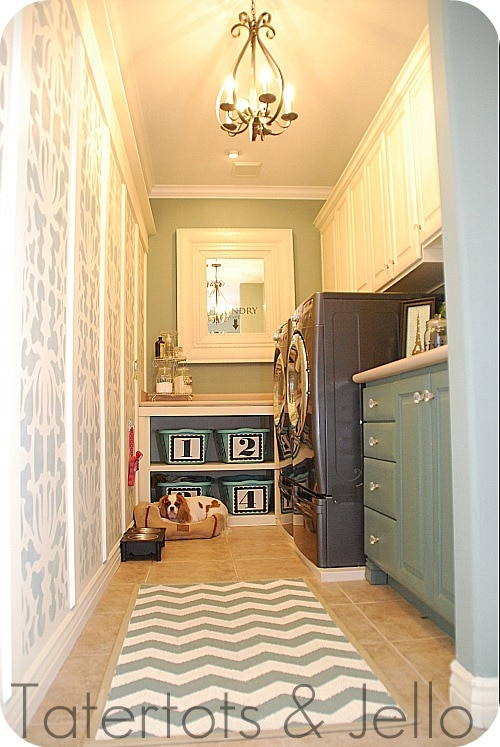 laundry-room-with-molding1
