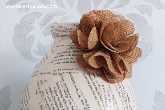 5 minute craft book page vases how to nest for less - Manualidades con tela de saco ...