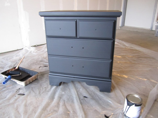 Painting 101 for furniture walls and more how to nest for Flat black wall paint