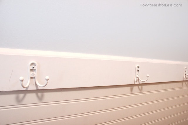 Painted Laundry Room +DIY Sign