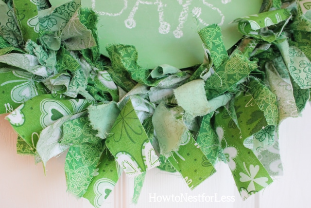 st patricks day fabric scrap chalk board wreath