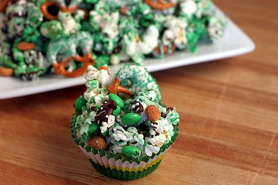 st patricks day popcorn mix