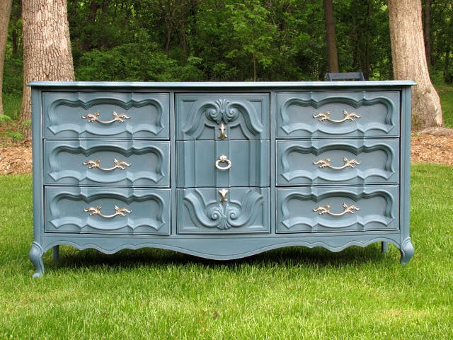 aubusson blue dresser