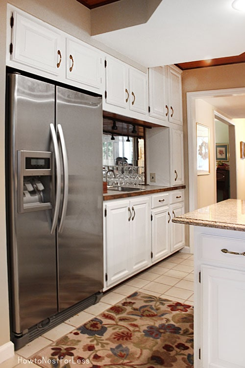 kitchen painted white cabinets