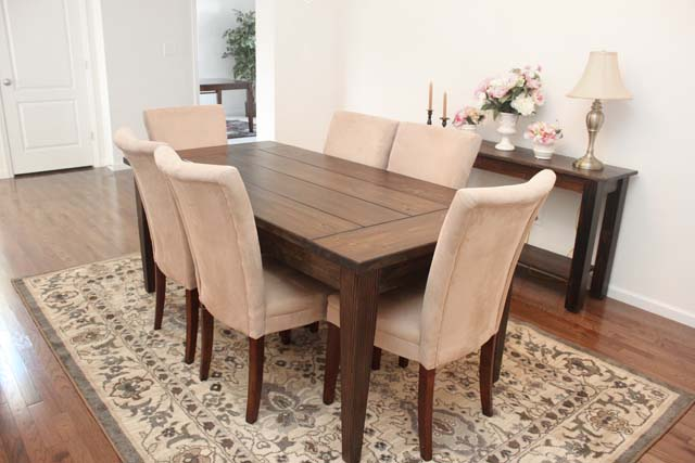 Dining room farmhouse table how to nest for less for Dining room farm table