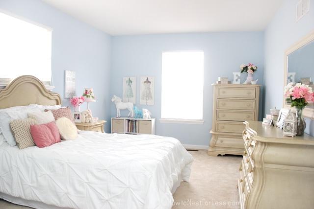 blue bedroom girl