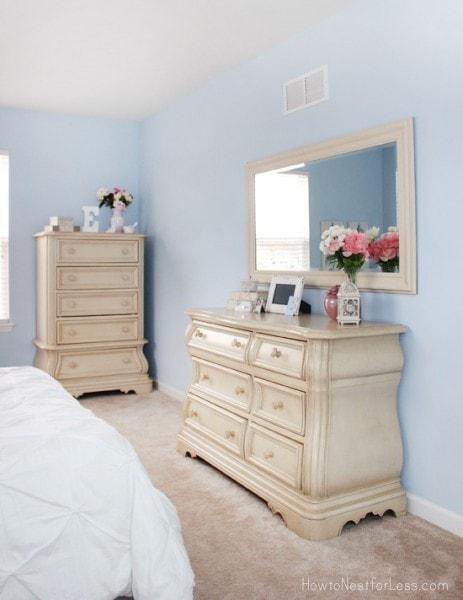 blue bedroom walls for girl