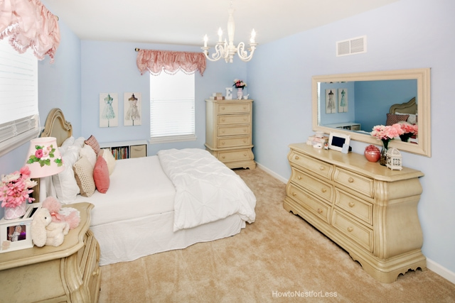 pink and blue girl bedroom
