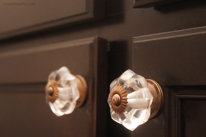 powder room vanity knobs