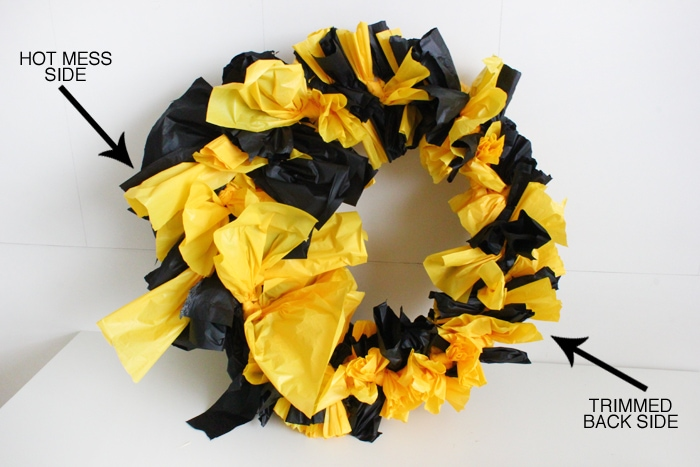 easy plastic tablecloth wreath