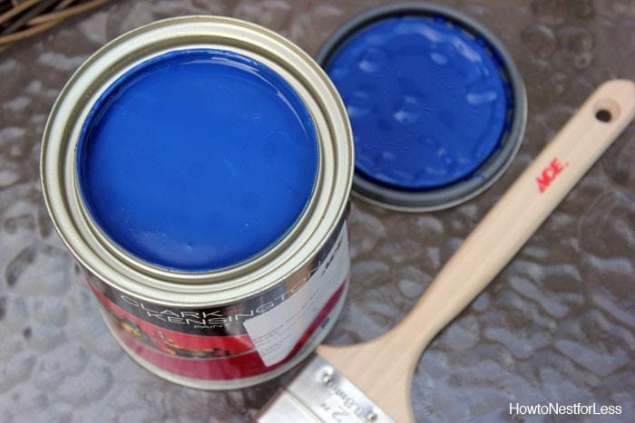 opi keeping suzi at bay paint