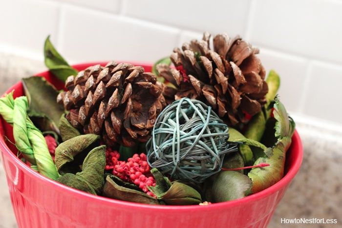 christmas pinecones kitchen decorations