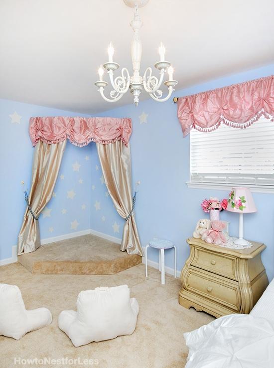 ellies bedroom stage