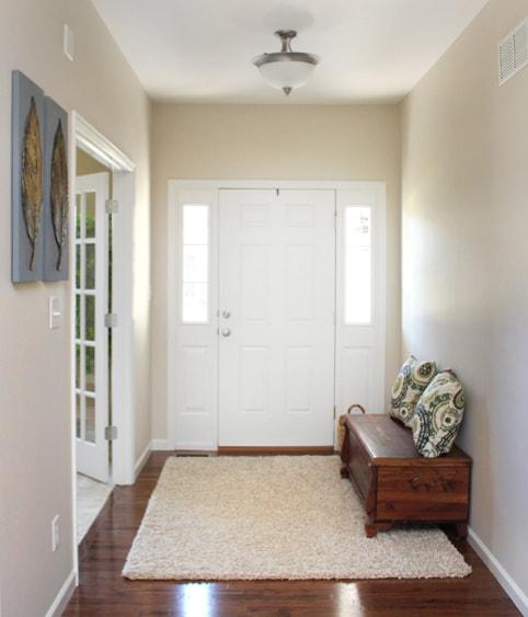 entry-foyer-cedar-bench1