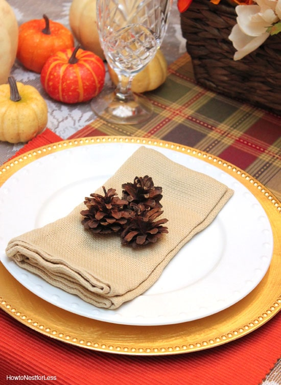 pinecone thanksgiving table setting