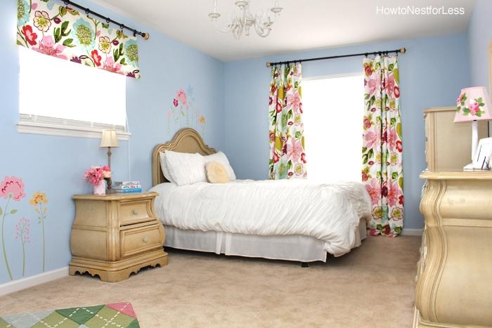 Ellies flower bedroom