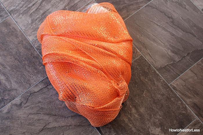 carrot easter mesh wreath