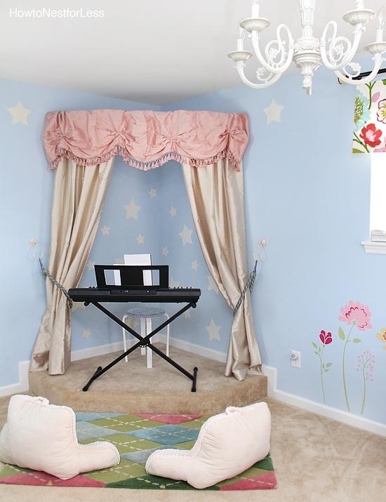 corner bedroom stage