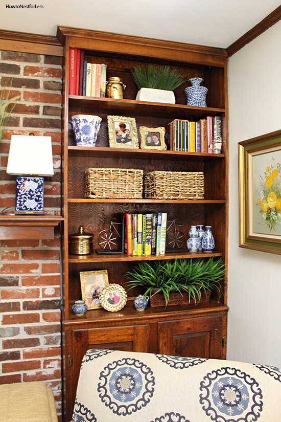 family room built in bookshelves