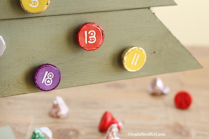 Hershey's Kisses DIY Christmas Countdown Calendar