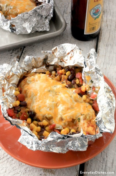 southwest-chicken-foil-packet-everydaydishes_com-B1-400x609
