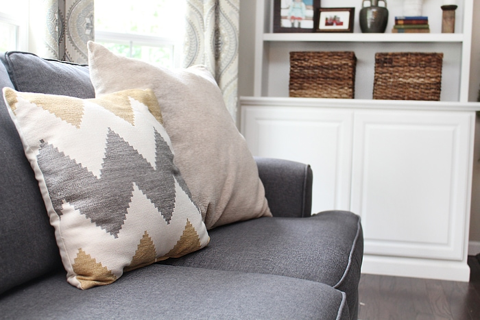 family room accent pillows
