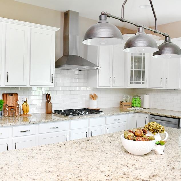 50 Absolutely Gorgeous Farmhouse Fall Decorating Ideas: Builder Grade Kitchen To Farmhouse Kitchen