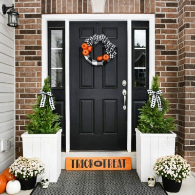 Trick or Treat Wood Sign: Halloween Front Porch Idea