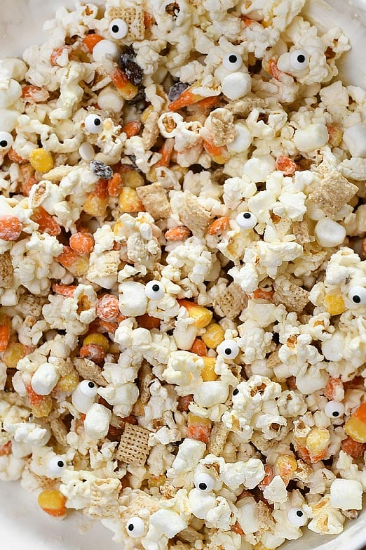 Up close picture of popcorn munch mixture.