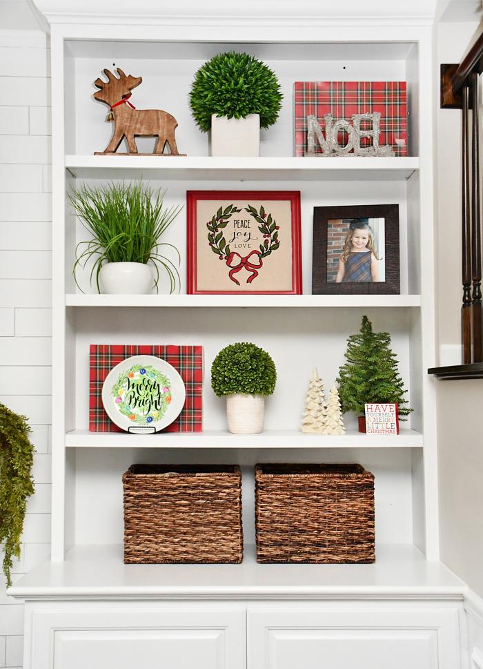 DIY decorative christmas plate